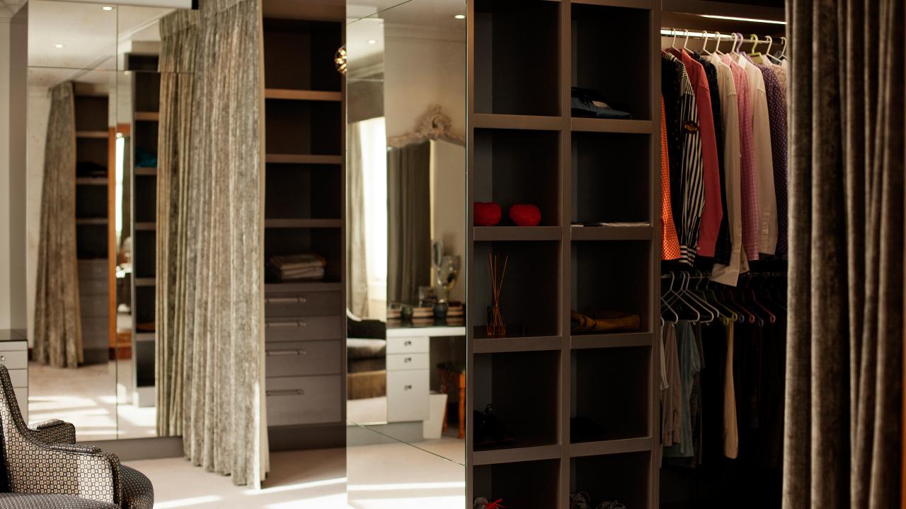 Men S Dressing Room Overlooking Hyde Park Trojan Wood